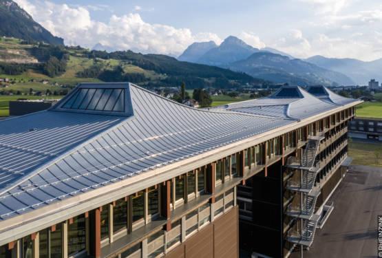 Firmen- und Kundenzentrum Max Felchlin AG in Ibach gewinnt Goldene Spenglerarbeit